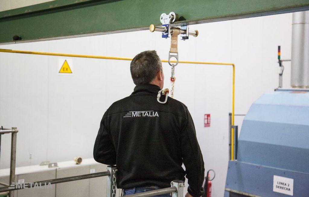 jmetalia-adecuación-normativa-seguridad